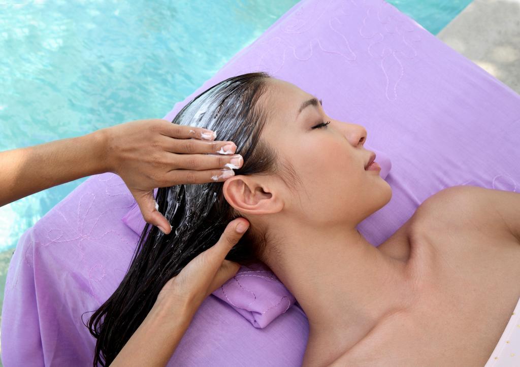 Stock Photo: 4292-137214 Herbal shampoo