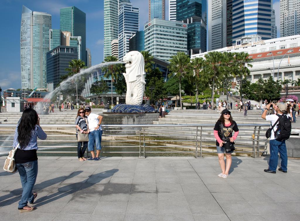 Asia, Singapore, the Merlion fountain : Stock Photo
