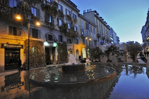 Stock Photo: 4292-138158 Italy, Lombardy, Milan, Corso Como at dusk