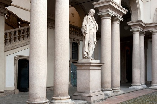 Stock Photo: 4292-138378 Italy, Lombardy, Milan, Brera Art Accademy, courtyard