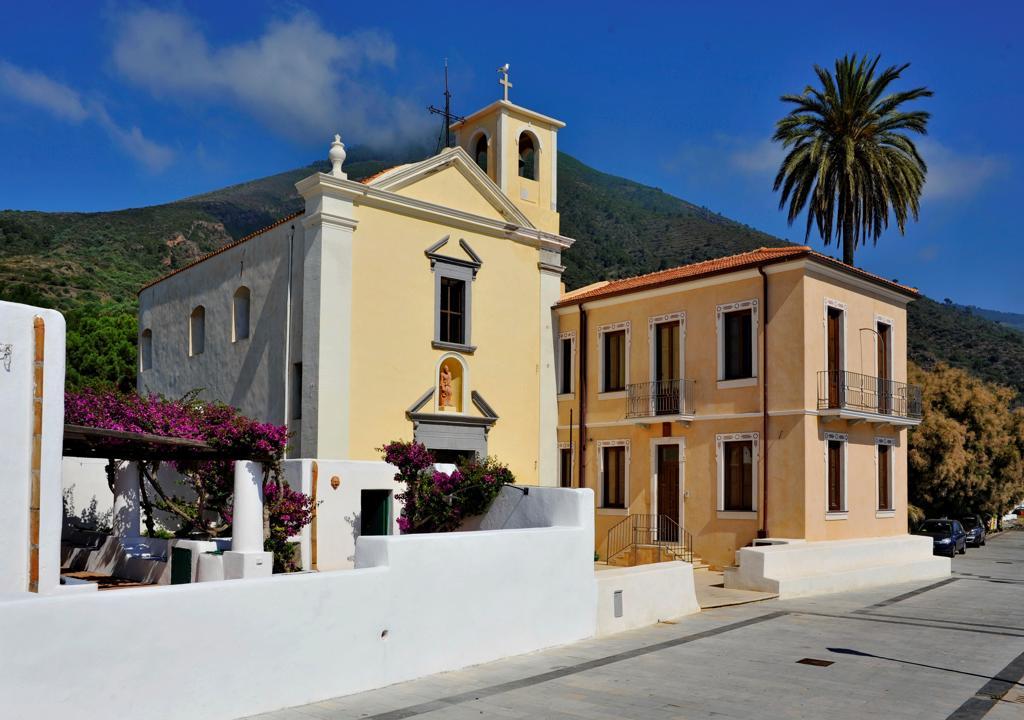 Stock Photo: 4292-138993 Italy, Sicily, Aeolian Islands, Salina island, Borgo di Lingua