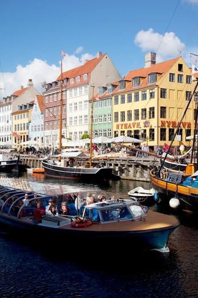 Stock Photo: 4292-141234 Denmark, Copenhagen, Nyhavn waterfront
