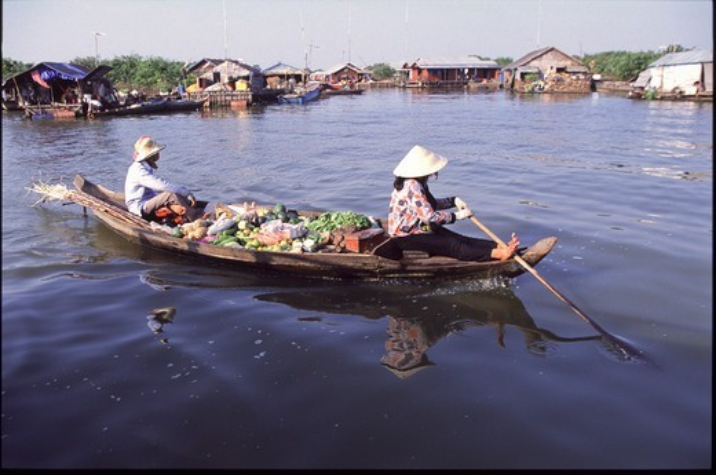 Asia, Cambodia, Tonle Sap lake, floating market : Stock Photo