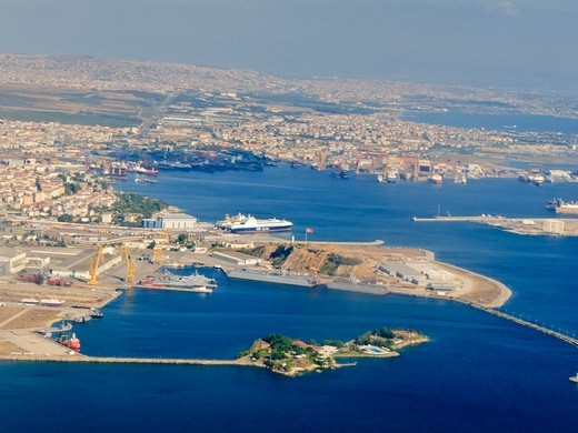 Stock Photo: 4292-142368 Turkey, Istanbul, the harbour aerial view