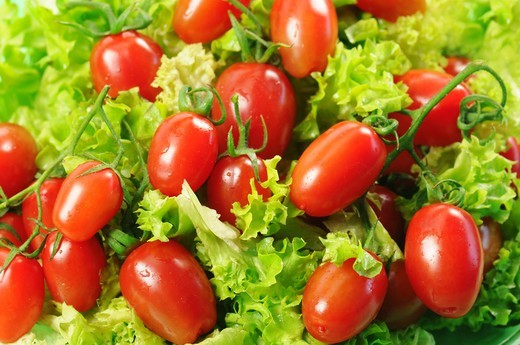 Stock Photo: 4292-142891 Tomatoes and salad leaves