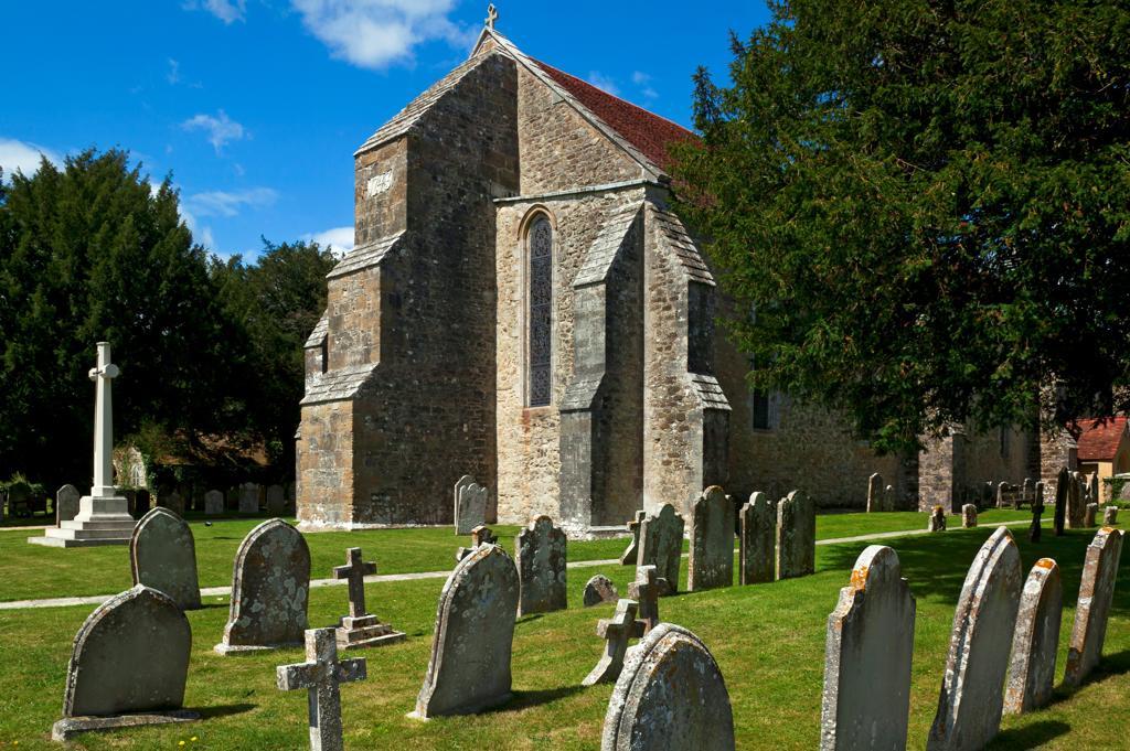 UK, Hampshire, Beaulieu, The New Forest National Park, Beaulieu's Cemetery : Stock Photo