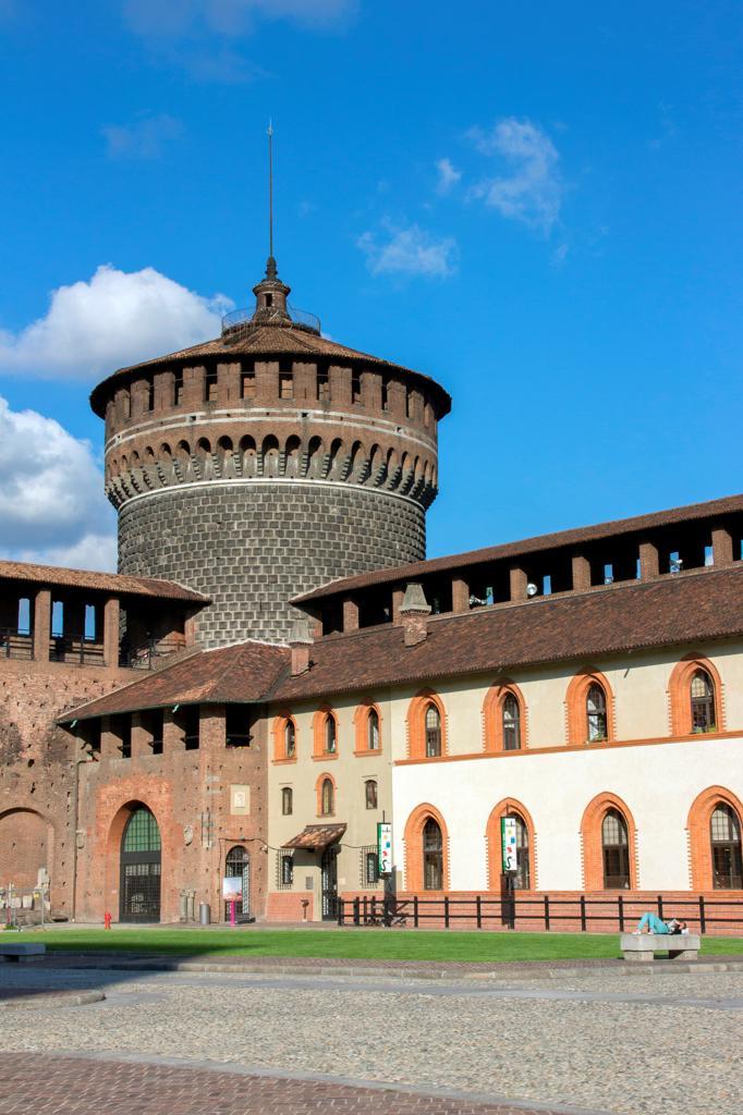 Stock Photo: 4292-145496 Italy, Lombardy, Milan, Sforzesco Castle