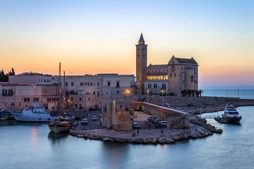 Italy, Apulia, Trani, The Cathedral at dusk : Stock Photo