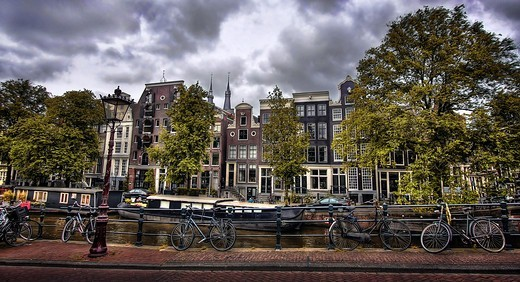 Stock Photo: 4292-155833 The Netherlands, Amsterdam, Historical buildings, houseboats, bikes