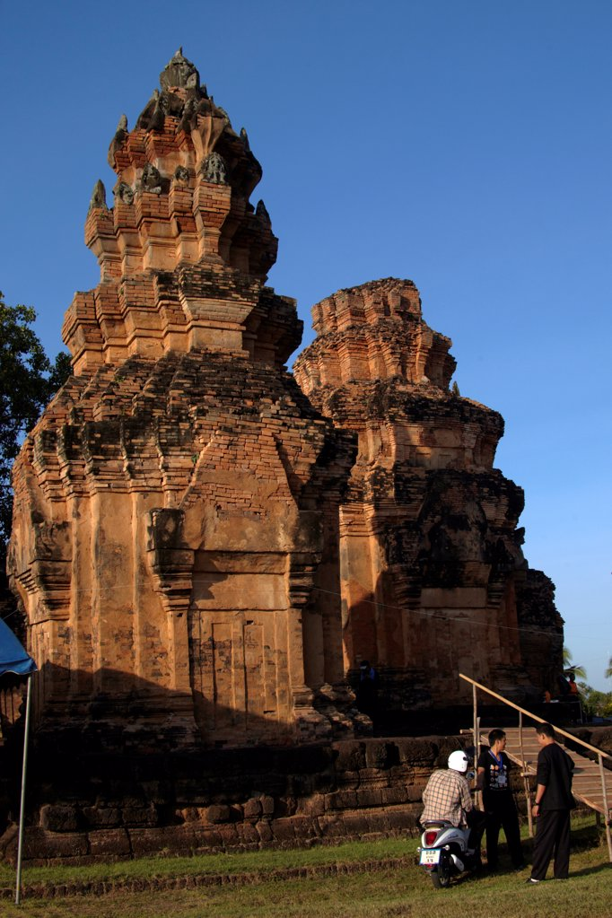 Stock Photo: 4292-157218 Prasat Sri KhoraphumKhmer Sanctuary, Surin province, Isan, Thailand