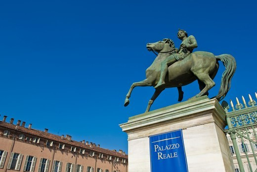 Stock Photo: 4292-159417 Italy, Piedmont, Turin, Royal Palace, Dioscuri statue