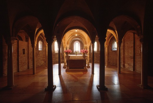 Emilia-Romagna, Crypt abbey of Nonantola : Stock Photo