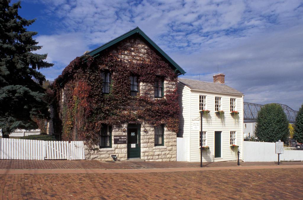Stock Photo: 4292-17918 USA, Missouri, St. Louis, Hannibal M. Twain Home