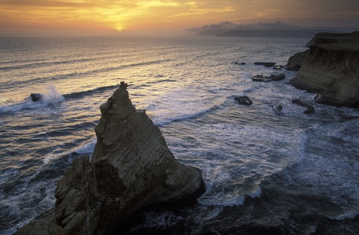 Stock Photo: 4292-18064 Peru, Paracas: coastline