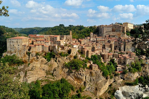 Stock Photo: 4292-1882 Italy, Tuscany, Sorano, view of the Town