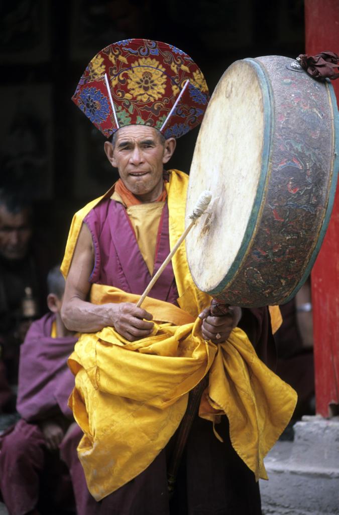 India, Jammu and Kashmir, Ladakh, Hemis monastery, monk during buddhist festival : Stock Photo