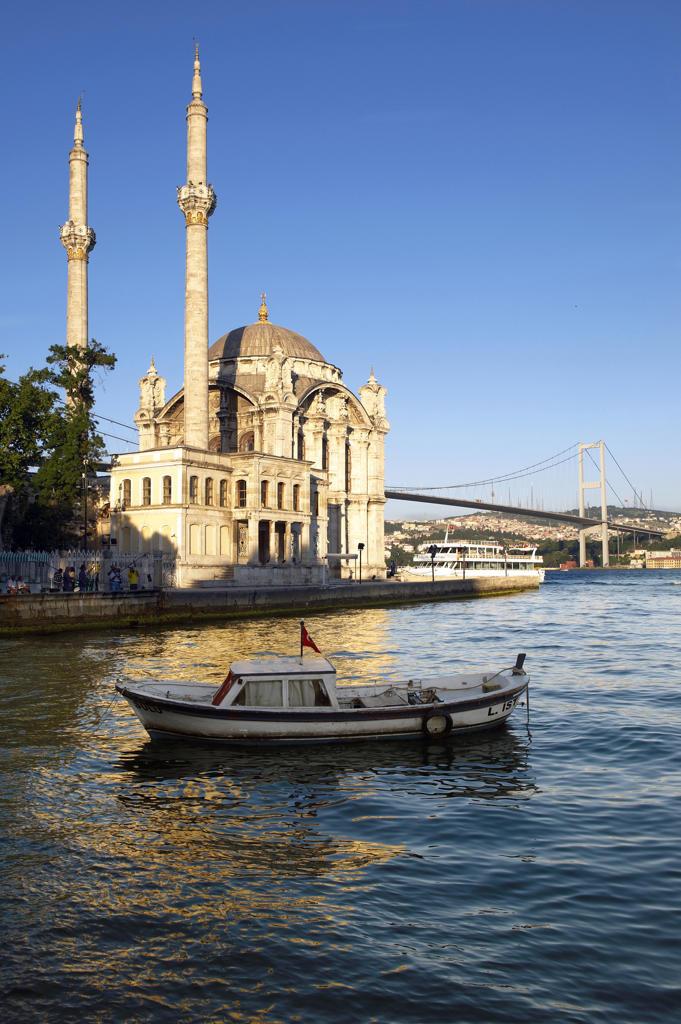 Stock Photo: 4292-21060 Turkey, Istanbul, Bosphorus European Side, Ortakoy Mosque background Ataturk bridge