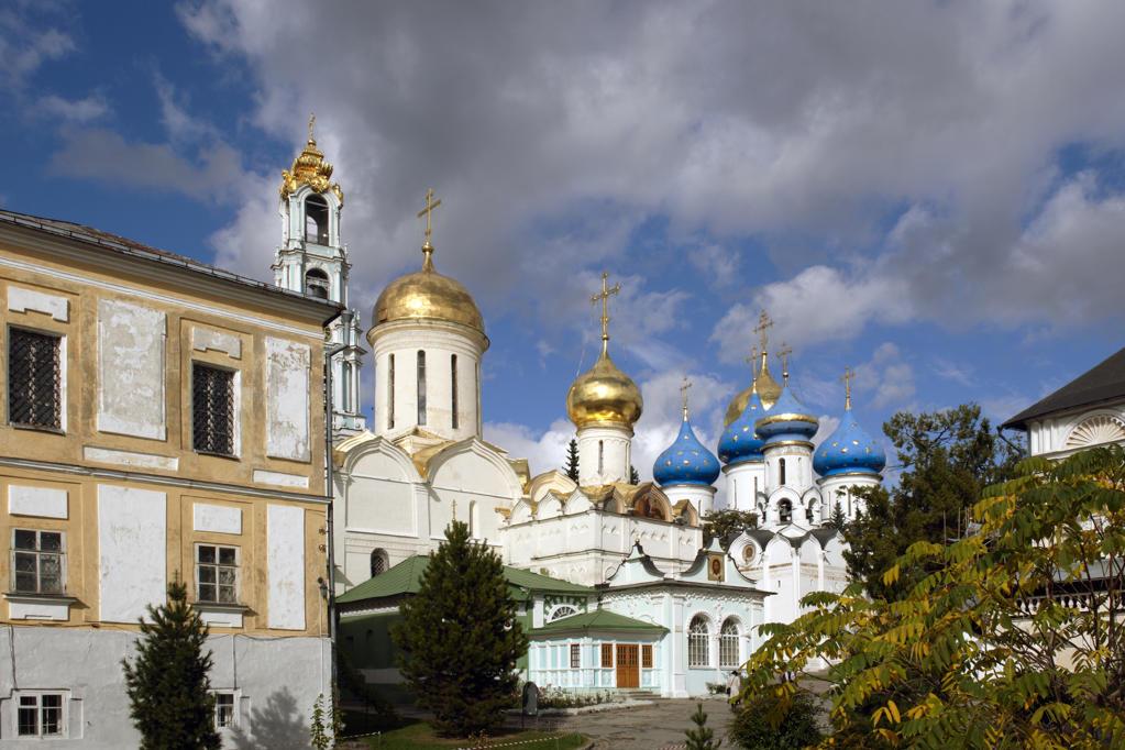 Stock Photo: 4292-21075 Russia, Sergiev Posad (Zagorsk), St Serge Holy Trinity Monastery, Trinity Cathedral