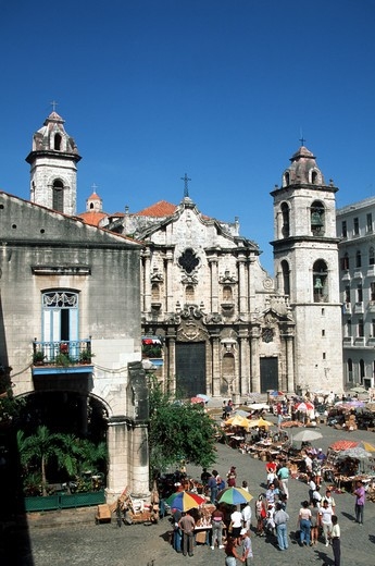 Stock Photo: 4292-31015 Cuba Havana Market in Cathedral square
