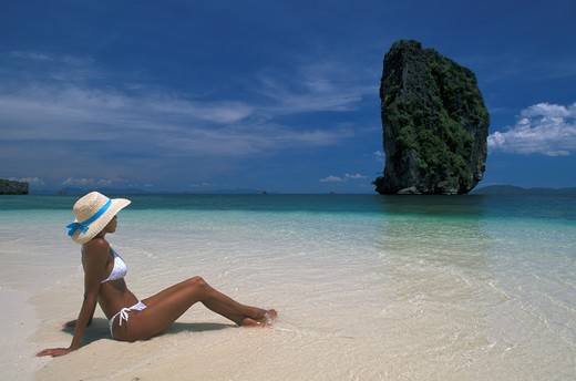 Stock Photo: 4292-31322 Thailand Phuket Woman on beach Poda Island