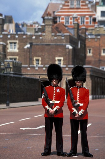 Stock Photo: 4292-31585 UK Royal Guards