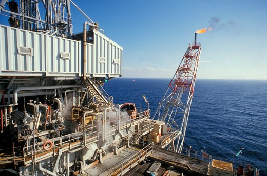 Stock Photo: 4292-35813 Oil rig