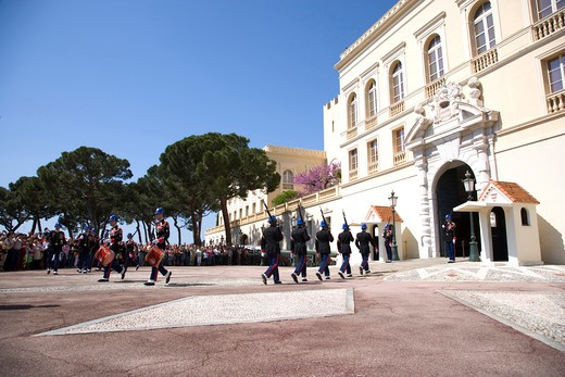 Stock Photo: 4292-36864 France, The French Riviera, Montecarlo, changing of the guard at the royal palace