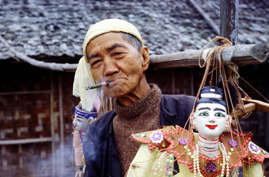 Stock Photo: 4292-39273 Puppeteer, Bagan ,Myanmar (Burma)