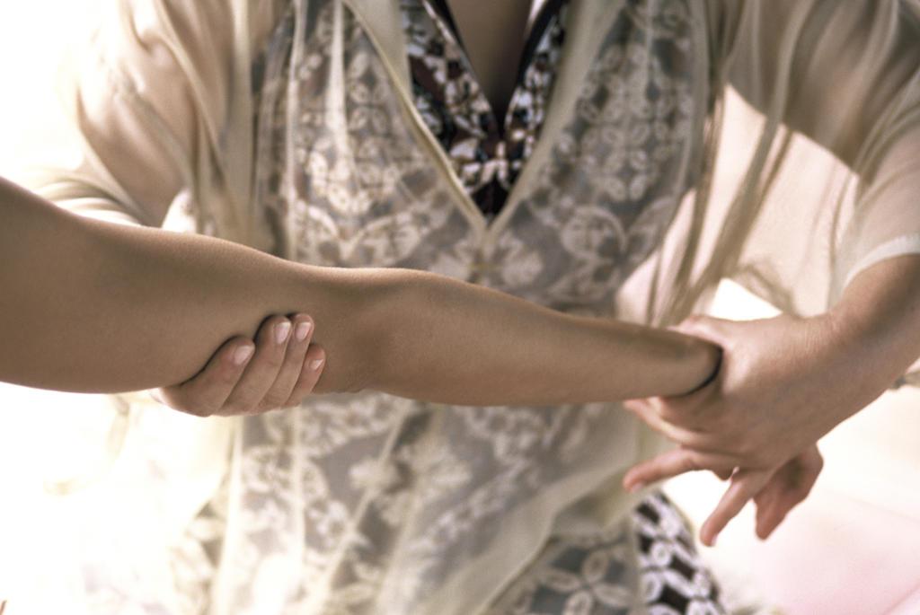 Stock Photo: 4292-41448 Arm massage