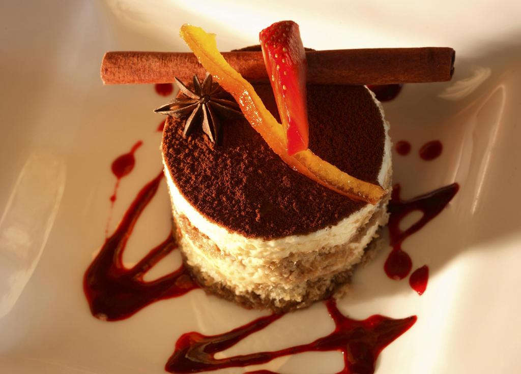 Stock Photo: 4292-42609 Tiramisu dessert
