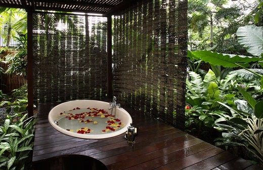 Stock Photo: 4292-43350 Outdoor Bath & Garden at Aramsa Spa in Singapore