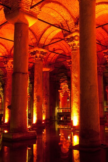 Stock Photo: 4292-4344 Turkey, Istanbul, The Basilica Cistern