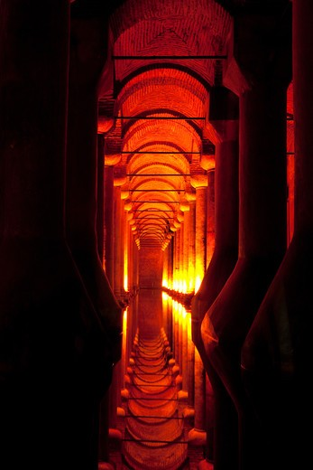 Stock Photo: 4292-4348 Turkey, Istanbul, The Basilica Cistern