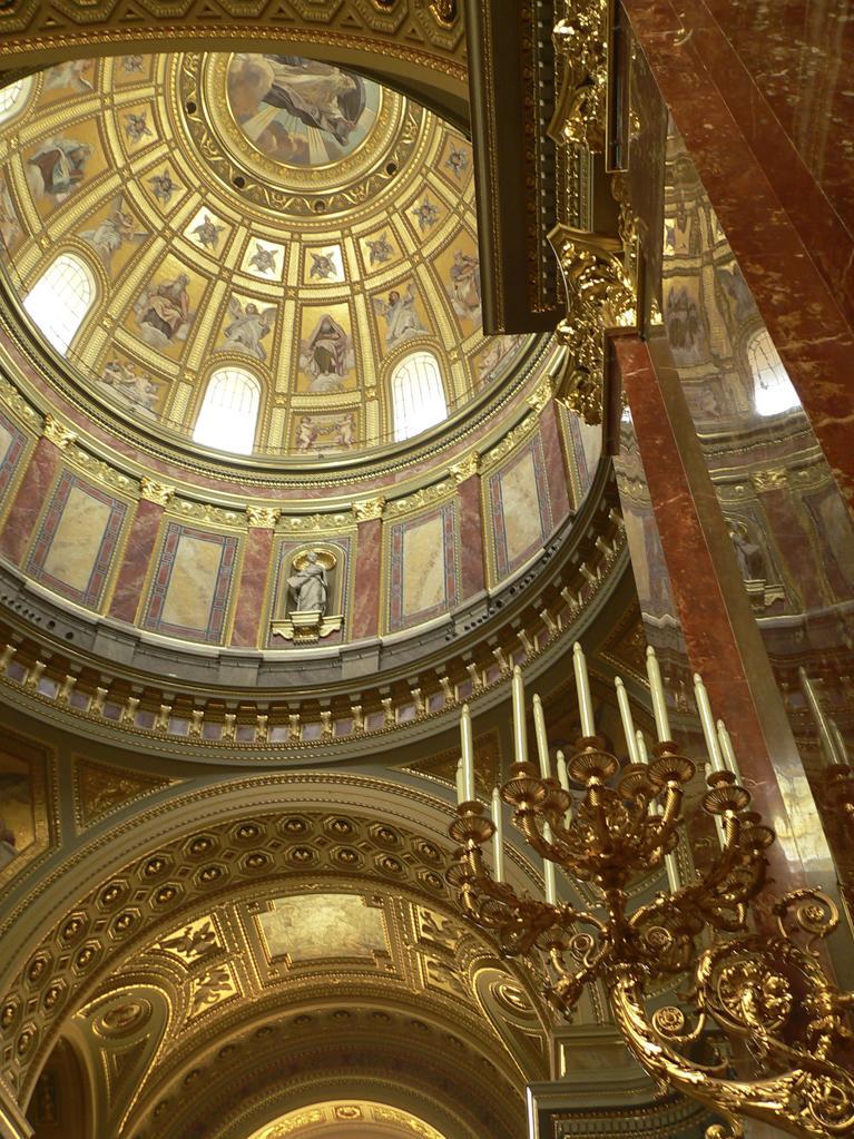 Stock Photo: 4292-44943 Hungary Budapest Saint Stephen's Basilica.