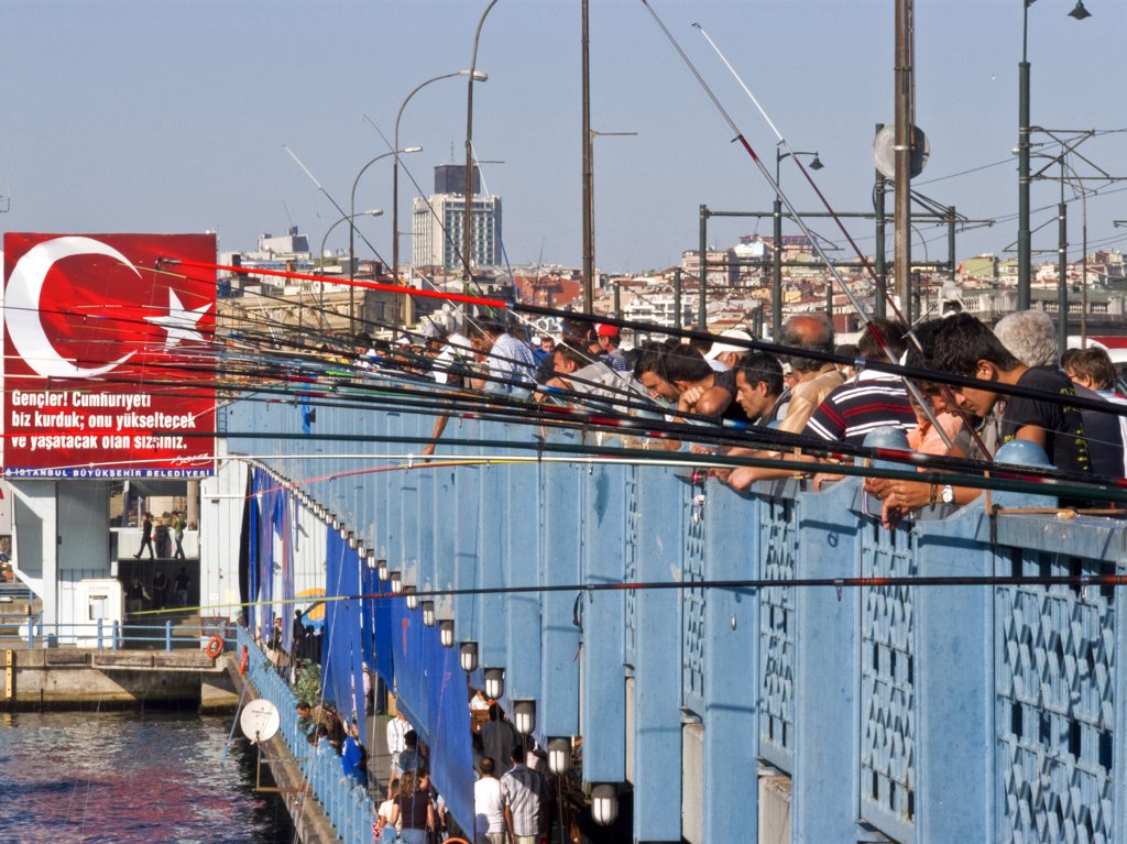 Stock Photo: 4292-46436 Turkey, Istanbul, Bosphorus, Galata bridge