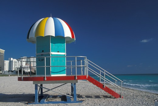 Lifeguard stationMiami Beach : Stock Photo