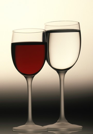Stock Photo: 4292-49482 two glasses of red & white wine