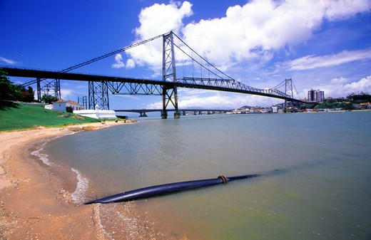 Hercilio Luz Bridge, Florianopolis City, Santa Catarina State, Brazil : Stock Photo