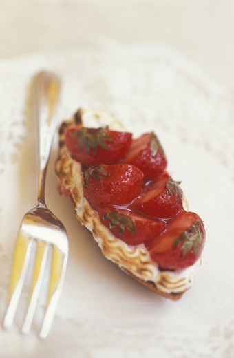 Little canapé with strawberries : Stock Photo