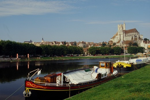 France, Burgundy, Auxerre, Cathedral Saint-Etienne : Stock Photo