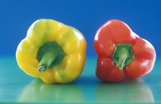 Stock Photo: 4292-53334 Red and yellow peppers