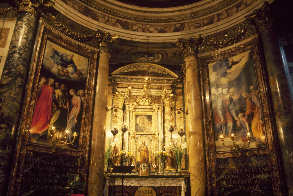 Italy, Lazio, Rome, Chiesa del Gesù, Madonna della strada chapel : Stock Photo