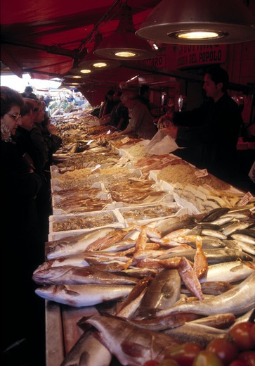 Stock Photo: 4292-58203 Italy, Sicily, Siracusa. Fish market