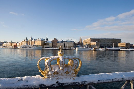 Europe, Sweden, Stockholm, golden crown on Skeppsholmen Bridge : Stock Photo