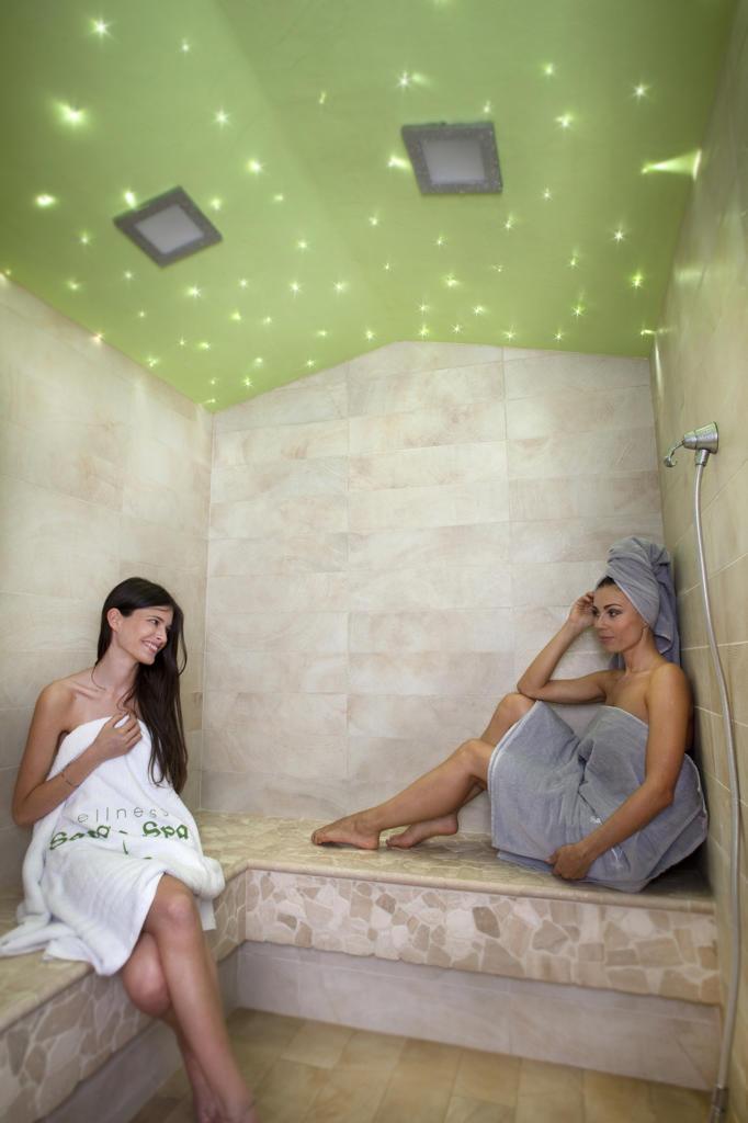 Stock Photo: 4292-5897 Women in turkish bath