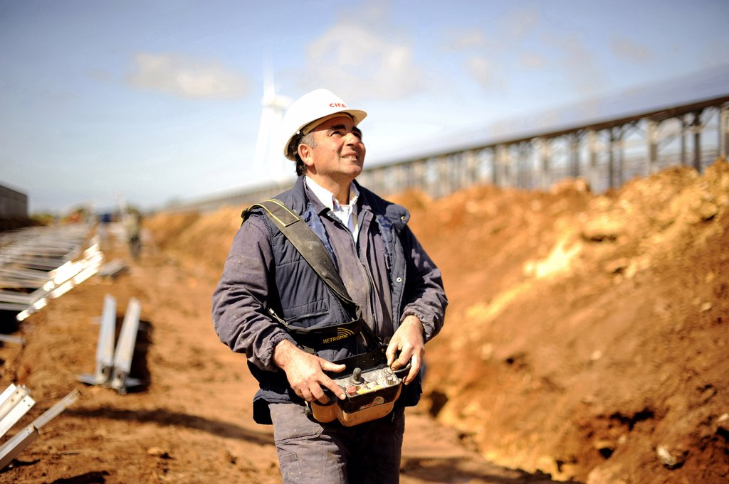 Stock Photo: 4292-60136 Italy, Sicily, Construction worker at construction site