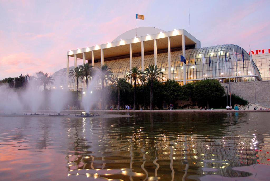 Stock Photo: 4292-62754 Spain, Valencia: the music palace