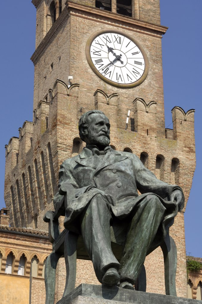 Italy, Emilia Romagna, Busseto, Verdi square and Giuseppe Verdi statue : Stock Photo