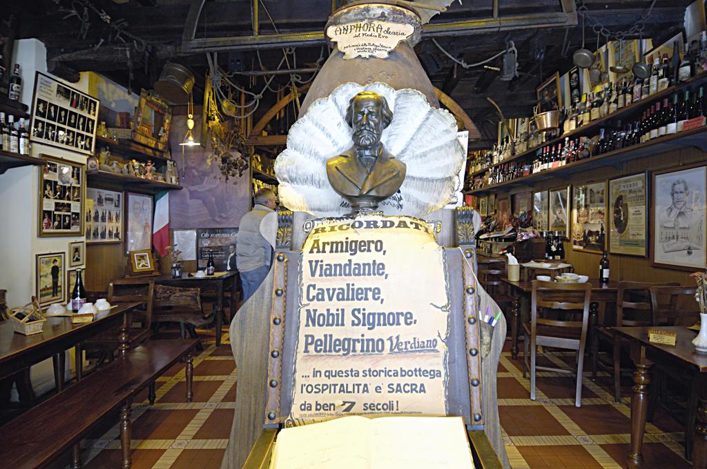 Italy, Emilia Romagna, Busseto.Salsamenteria storica e verdiana Baratta shop : Stock Photo