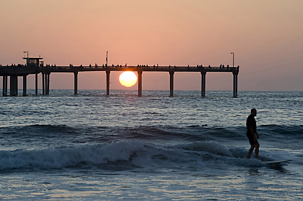 Stock Photo: 4292-63887 USA, California, San Diego, Ocean Beach fishing pier